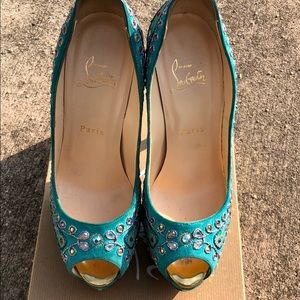 Offers considered- Ultra rare Bollywood suede pump